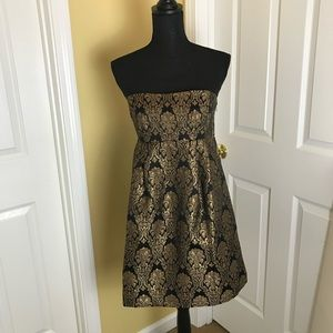 MICHAELS KORS Gold Brocade Strapless dress. Size 8